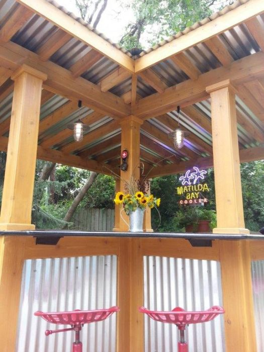 Wesson Builders Project Image - 2015 Poolside Bar – Metal Accent Siding