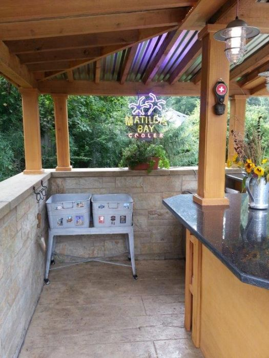 Wesson Builders Project Image - 2015 Poolside Bar – Natural Stone Wall