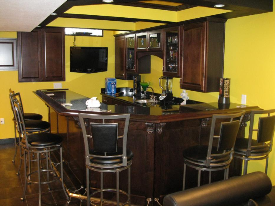 Wesson Builders Project Image - Basement Media and Bar